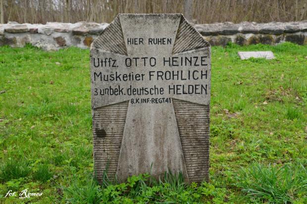 Gawliki Wielkie - cmentarz wojenny z Iwś
