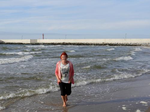 Pozdrawiam z Dziwnowa; butków nie zamoczyłam, a woda była ciepła ;-)