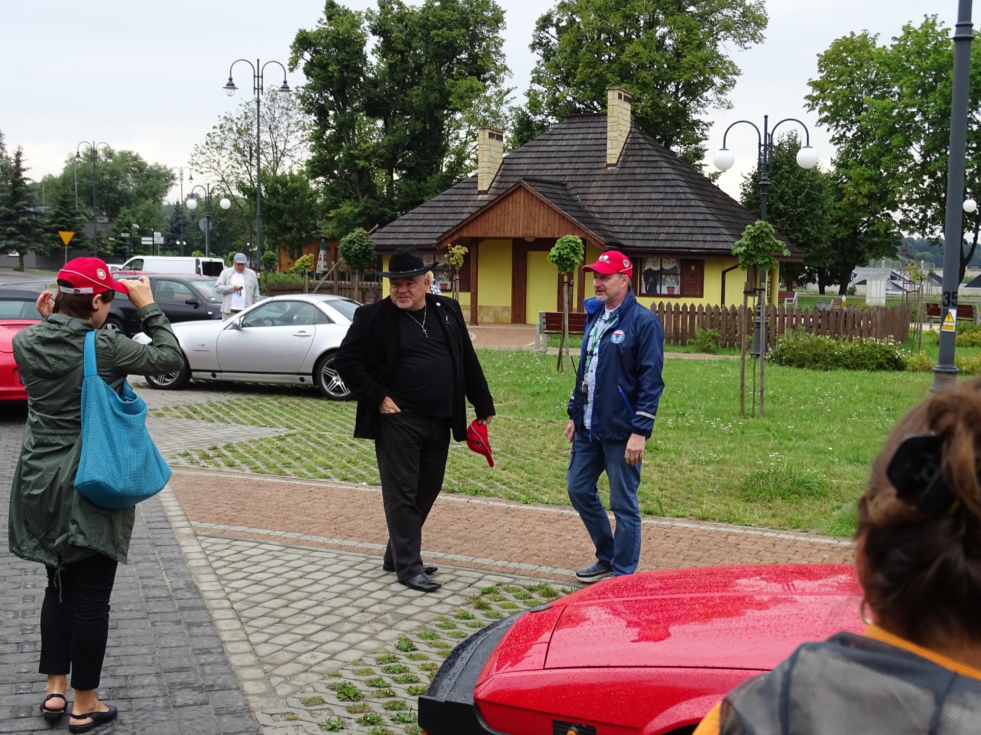 https://images85.fotosik.pl/322/c7836a1af67d4619.jpg
