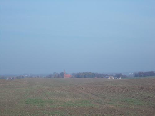 Łoza-panorama wsi z kościołem w roli głownej