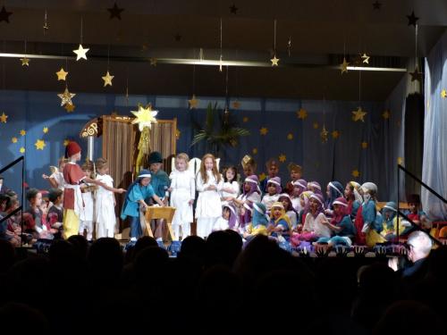 Jasełka w przedszkolu Radosnych ,rodzinnych, Świąt Bożego Narodzenia dla całej fotosikowej braci zasyła Henia