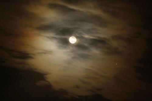 Księżyc z Jowiszem