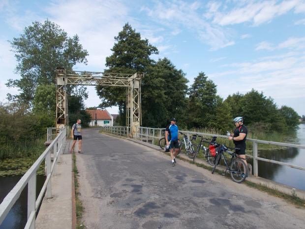 Nieczynny most zwodzony w Stobcu na rzece Tuga