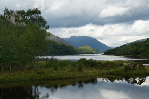 Loch Leven - o poranku; widok z Kinlochleven