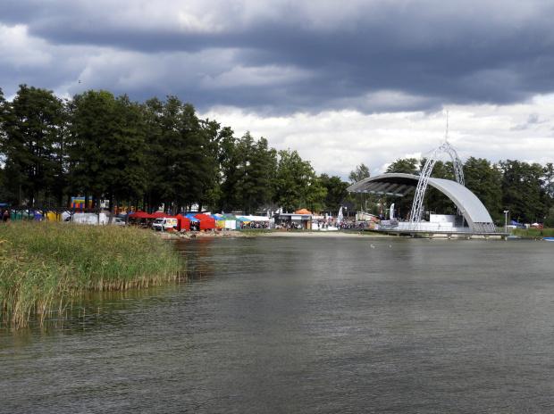 Nad jeziorem Miedwie.