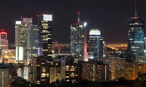 Biznesowe centrum Warszawy uwiecznione z Błękitnego Wieżowca