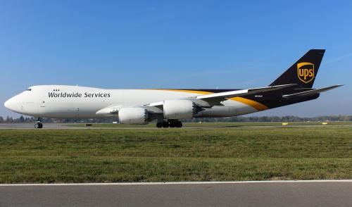 Boeing 747-8 linii cargo UPS. Ten kolos ma 76 m długości :)