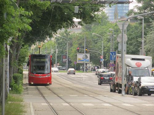 Škoda 30T, #7517, DP Bratislava