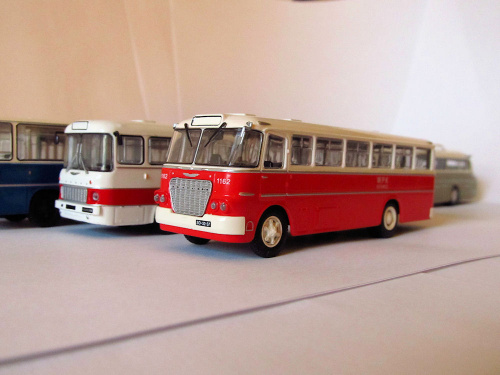 Ikarus 620 & Ikarus 556, który miał być pośrednikiem pomiędzy 620 a Ikarusem 260