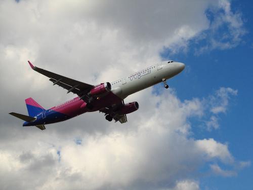Airbus A321-231, HA-LXS, WizzAir
