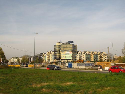 Warszawa - Natolin, ul. Jana Rosoła, tuż obok budowy POW
