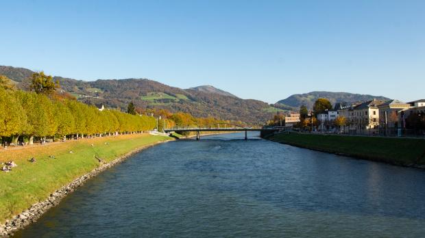 Salzburg, nad rzeką Salzach