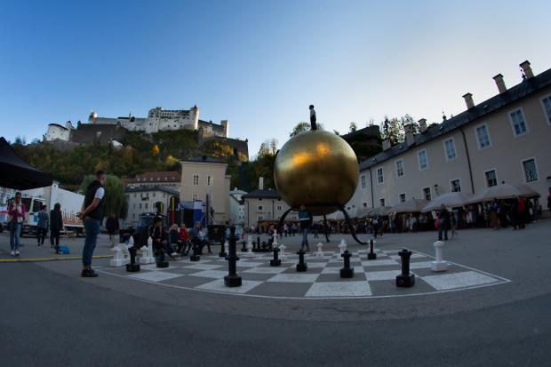 """Sphaera"" Kapitelplatz w Salzburgu"