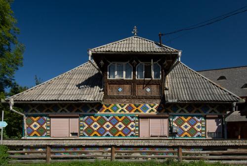 Sarbi, Maramuresz - od strony głównej drogi