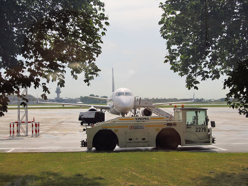 Challenger 280, #2279, LS Airport Services