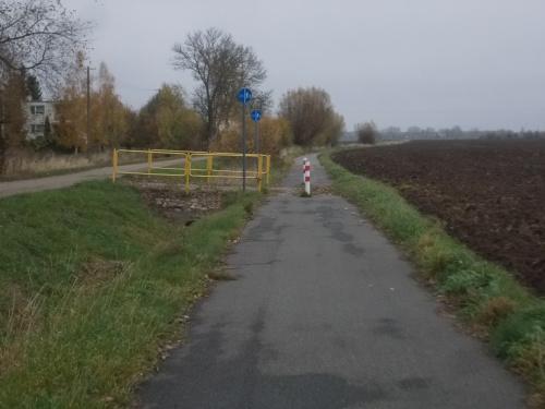Droga rowerowa ze Starego Pola w kierunku Nogatu, do wsi Letniki
