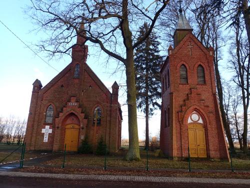 Rozgart-kościół z unikalną dzwonnicą