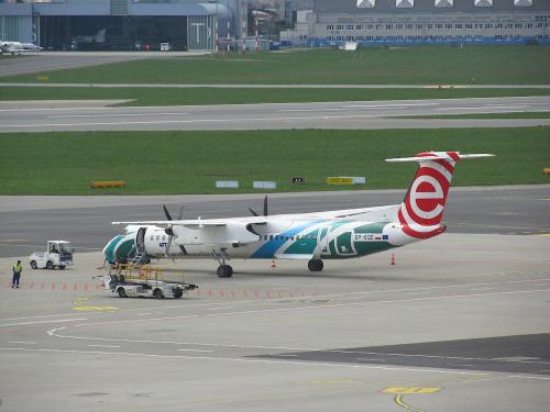 Bombardier DHC-8-402Q Dash 8, SP-EQE, PLL LOT