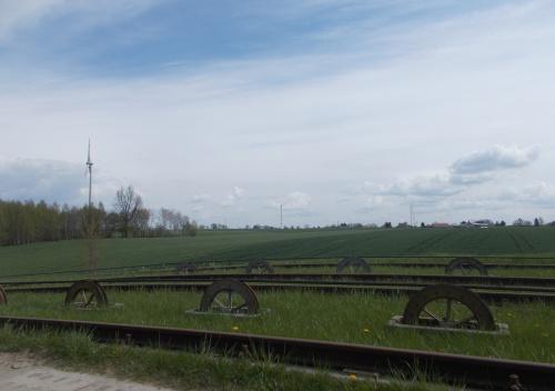 Wiatraki nad pochylnią Oleśnica - to już nie tylko jedna sztuka