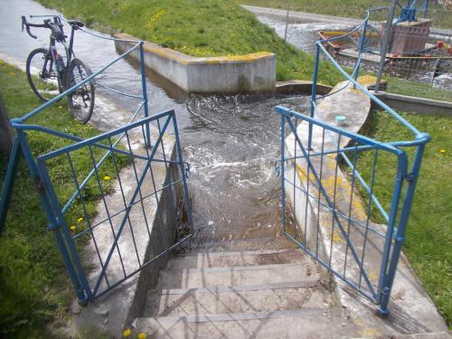 Pochylnia Kąty-po schodkach zapraszamy do kąpieli :-))