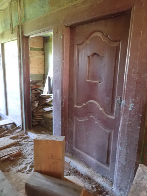Zabytkowa konstrukcja drewnianego domu