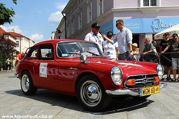 XXII Podkarpacki Rajd Pojazdów Zabytkowych - Konkurs Elegancji na Placu Farnym w Rzeszowie