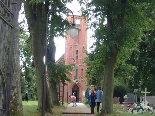 Jegłownik-neogotycki kościół z 1804 r.