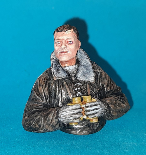 SS man bust 1-25 scale