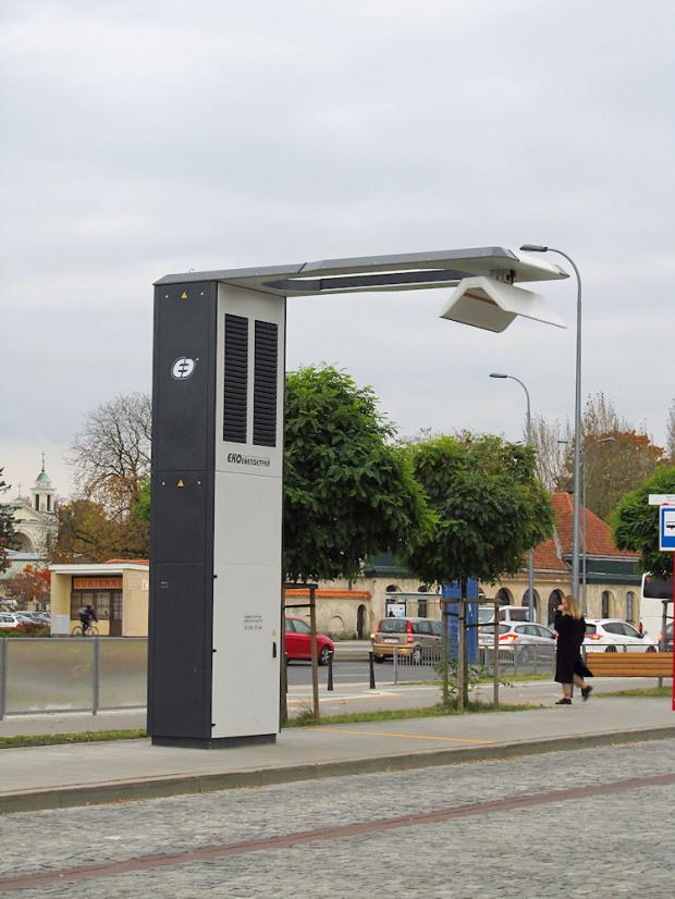 Ładowarka dla autobusów elektryczny SU18 IV Electric. Pętla Wilanów w Warszawie ;)